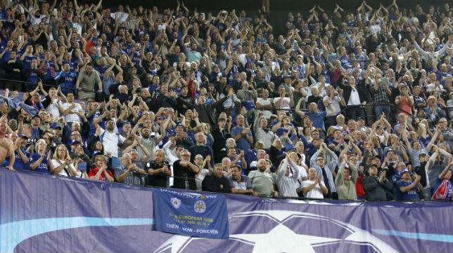 Los aficionados del Leicester, en el Sánchez-Pizjuán