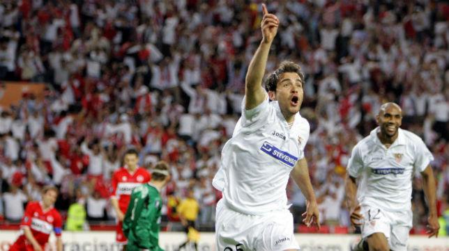 Enzo Maresca celebra uno de los dos goles que le marcó al Middlesbrough en la final de la UEFA del año 2006