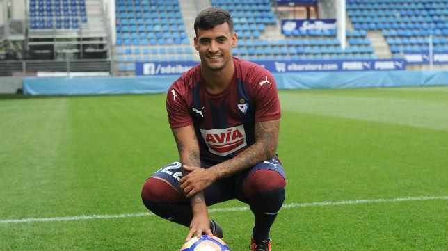Nano Mesa, en su presentación como jugador del Eibar