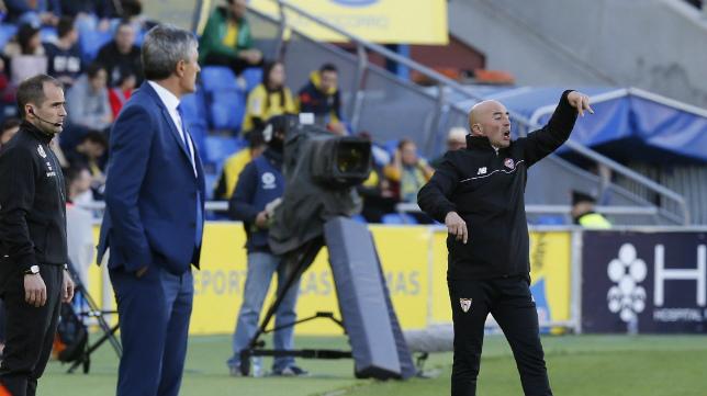 Setén y Sampaoli, en la banda del Estadio de Gran Canaria