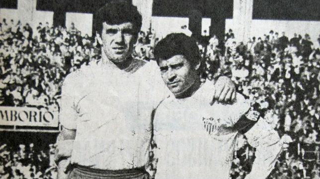 Tonono y Enrique Lora (revista Sevillismo)