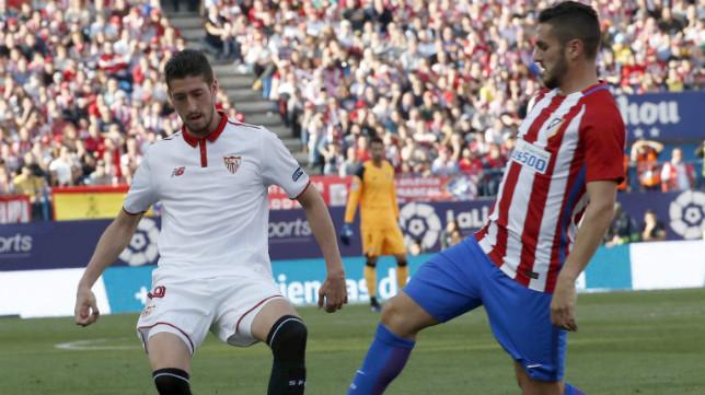 Escudero, en un lance del duelo ante el Atlético