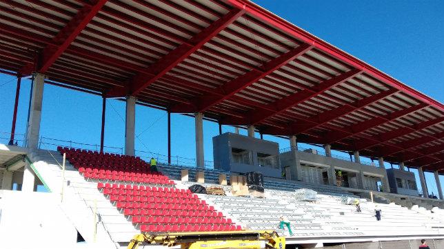 Aspecto de la obra de la nueva grada de la ciudad deportiva (Foto: SFC)
