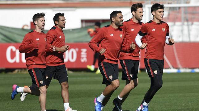 Entrenamiento del Sevilla FC con Mercado, Vietto, Correa, Mudo Vázquez y Montoya