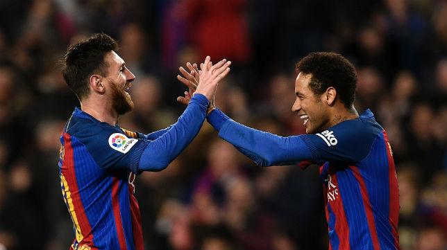 Messi y Neymar celebran un gol del Barcelona (Foto: AFP)