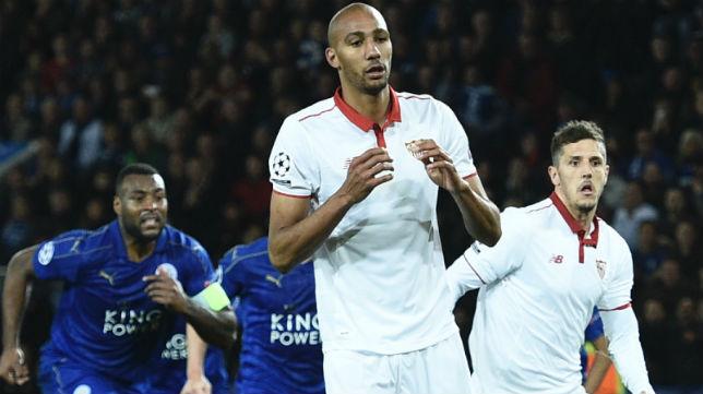 Nzonzi se lamenta tras fallar el penalti en Leicester (Foto: AFP)