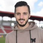 Pablo Sarabia posa para ABC en la ciudad deportiva del Sevilla (Foto: J. Spínola)