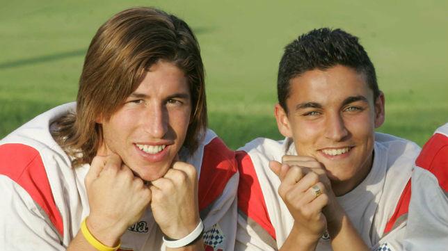 Sergio Ramos y Jesús Navas posan juntos en su etapa de canteranos del Sevilla FC (Foto: ABC)