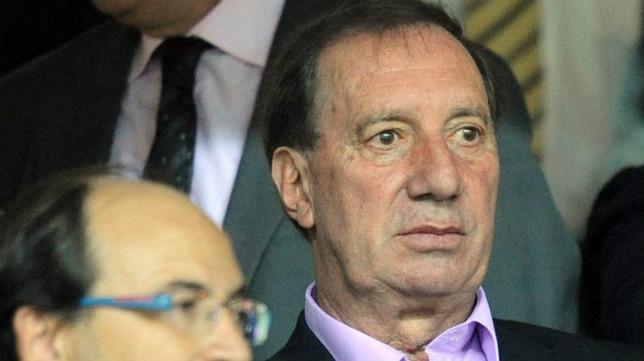 Carlos Salvador Bilardo, en el palco del Sevilla FC