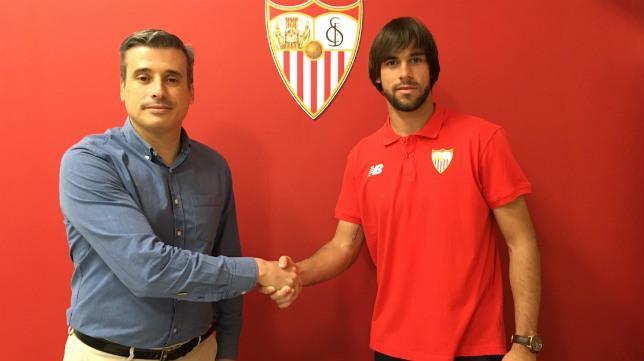 Caro firmó su renovación hasta 2019