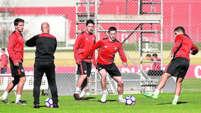 Carriço, Nasri, Lenglet y Ben Yedder, durante un entrenamiento del Sevilla