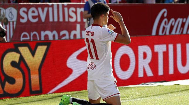 Joaquín Correa celebra su gol (Foto: EFE).