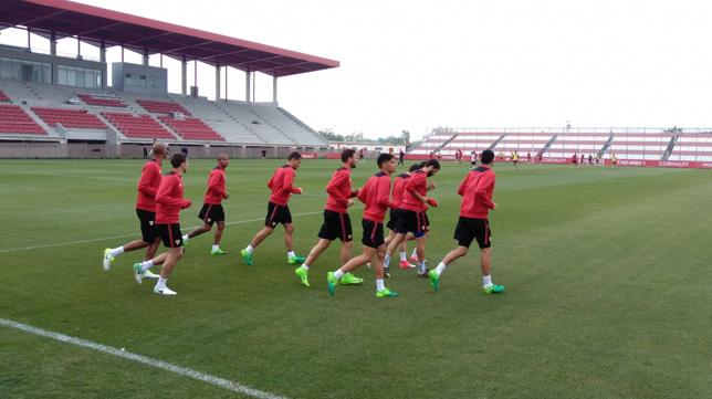 Imagen del entrenamiento del Sevilla FC en este Viernes Santo (Foto: SFC)