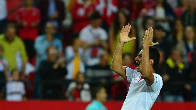Ganso celebra un gol en el Sevilla-Granada (Foto: AFP)