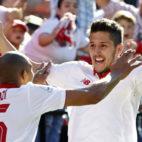 Nzonzi felicita a Jovetic tras su gol al Deportivo (Foto: EFE).