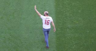 Monchi se despidió del Sánchez-Pizjuán con la camiseta de Puerta