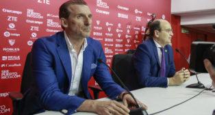 Óscar Arias, en su presentación como director deportivo del Sevilla FC. Foto: Raúl Doblado