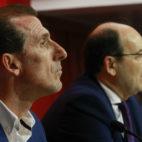 Óscar Arias y José Castro, en la presentación del director deportivo. Foto: Raúl Doblado