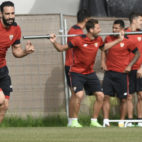 Rami realiza un sprint durante un entrenamiento con el Sevilla FC. Foto: J. Spínola