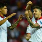 Jovetic celebra junto a Correa su gol a Osasuna
