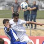 Lance del Sevilla-Deportivo de categoría Juvenil disputado esta mañana en la ciudad deportiva (Foto: SFC)