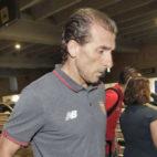 Óscar Arias, en el aeropuerto de San Pablo (foto: Juan Flores)