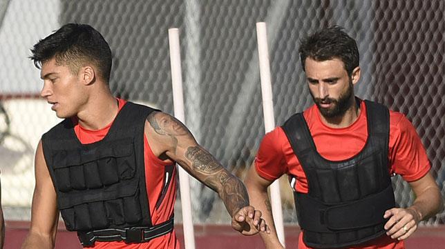 Correa y Pareja, en la ciudad deportiva (foto: J. Spinola)