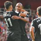 Nzonzi es felicitado por Correa tras marcar al Arsenal: foto (REUTERS/Hannah McKay)