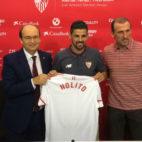 José Castro, Nolito y Óscar Arias, en la presentación del jugador con el Sevilla (Foto: F. M.)
