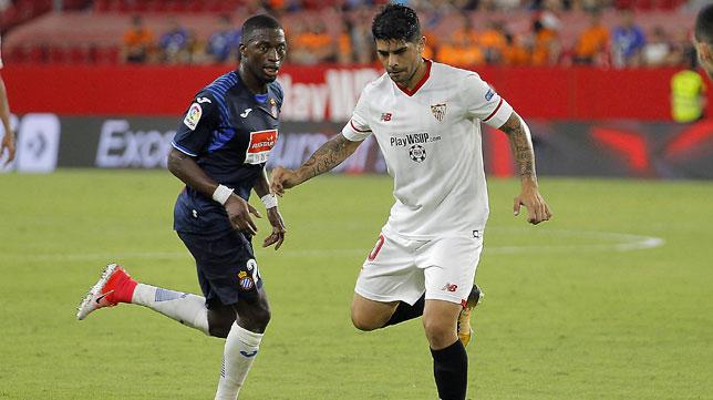 Banega, en un lance del partido ante el Espanyol (foto: Raúl Doblado)