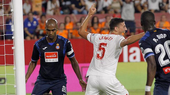 Lenglet celebra su gol ante el Espanyol (foto: Raúl Doblado)