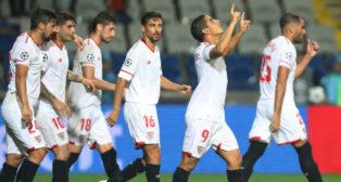 Ben Yedder celebra el segundo tanto del Sevilla en Estambul frente al Basaksehir (Foto: Reuters)