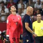 David Soria se retira tras lesionarse ante el Espanyol (foto: SFC)