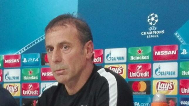 El entrenador turco, Avci, en el Sánchez-Pizjuán