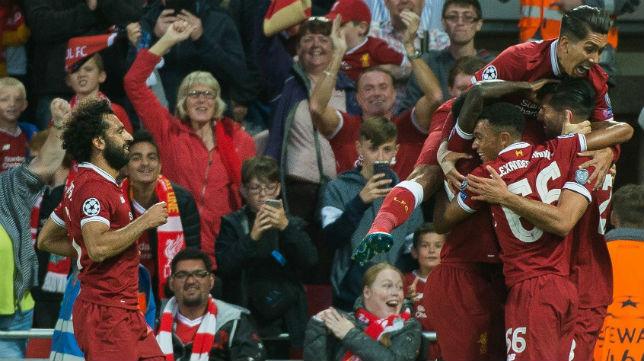 Los jugadores del Liverpool celebran uno de los goles anotados al Hoffenheim en la previa de la Champions (Foto: EFE)