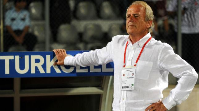 El entrenador turco, Mustafa Denizli, ganó la liga de su país con el Galatasaray, Fenerbahçe y Besiktas