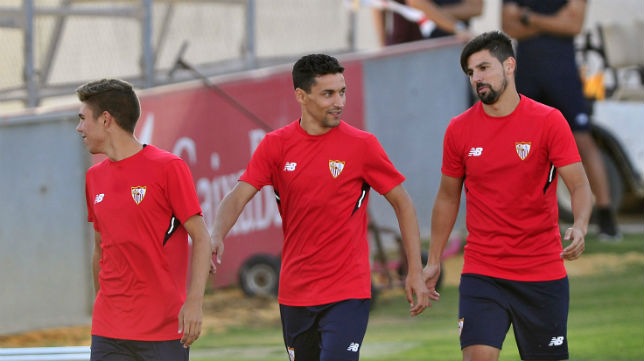 Jesús Navas y Nolito, en un entrenamiento del Sevilla (Foto: Jesús Spínola)