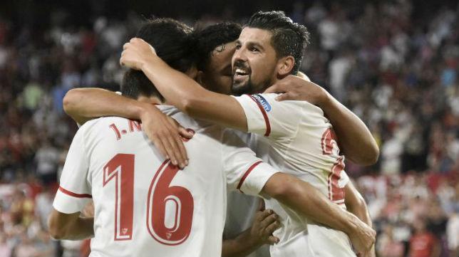 Nolito, protagonista por su gol y la asistencia a Escudero en el Trofeo Antonio Puerta, junto a Navas