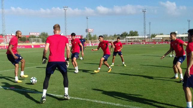 Nzonzi, en un entrenamiento del Sevilla (Foto: SFC)