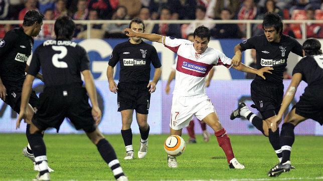 Saviola, en un lance del Sevilla FC-Besiktas de 2005