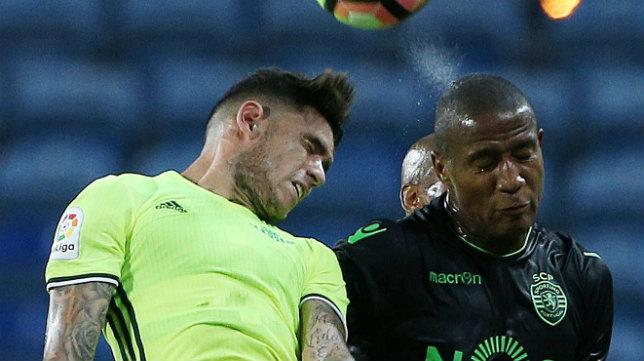 Zeegelaar salta con el bético Sanabria en un amistoso del Sporting