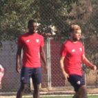 Carole y Geis, en un entrenamiento del Sevilla