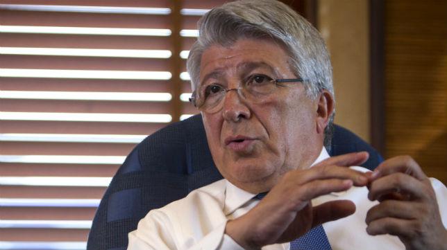 El presidente del Atlético, Enrique Cerezo, en su despacho (Foto: