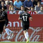 Muriel celebra su gol en el Girona-Sevilla junto a Montoya, Sarabia y Fran Vázquez (AFP)