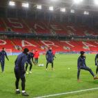 El Sevilla FC se ejercita en el estadio del Spartak