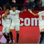 Ben Yedder, Correa y Escudero celebran el 1-0 del Sevilla FC-Leganés