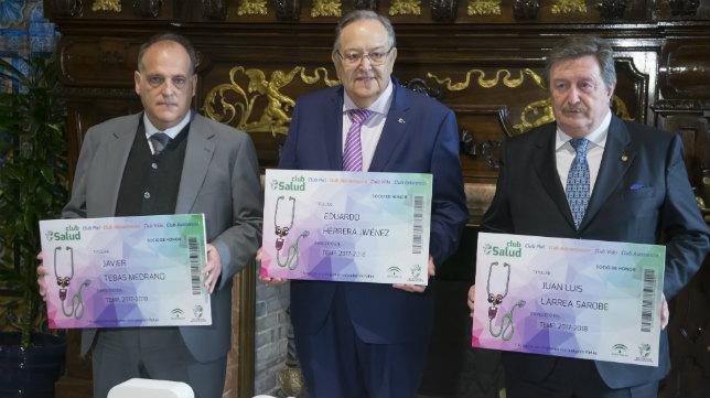 Javier Tebas, junto a Eduardo Herrera y Juan Luis Larrea