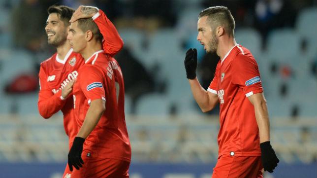 Ben Yedder, Banega y Sarabia, en el Real Sociedad-Sevilla (AFP)