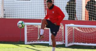 Daniel Carriço, en el entrenamiento de este martes en la ciudad deportiva (Foto: Sevilla FC)