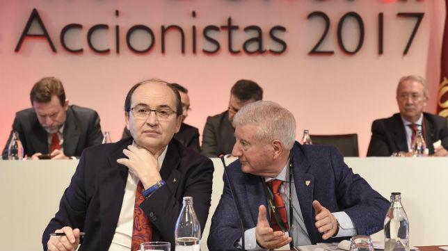 José Castro, Gabriel Ramos, en la junta de accionistas del Sevilla (Jesús Spínola)